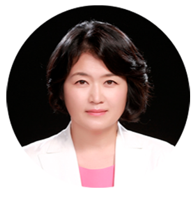 Jungah Lee is a founder and CEO of Aura Intelligent Systems. Former Senior VP at Samsung Networks, Jungah has been leading inception, strategy and technology at Aura Intelligent Systems.